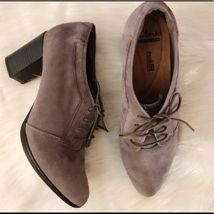 Clark's Collection Gray Suede Lace-Up Oxfords 8M